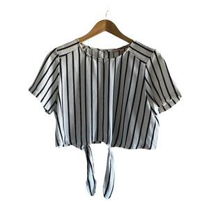 Forever 21 White Tie Front Crop Top Large
